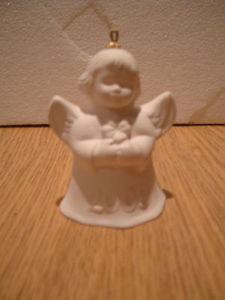 Goebel Annual Angel White Bell 2009