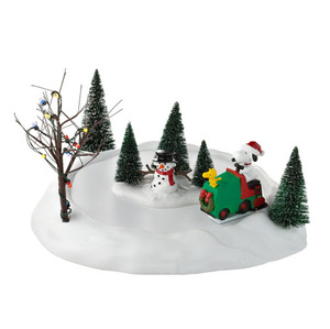 Department 56 Peanuts Snoopy Smoothes the Ice 4026959
