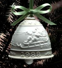 1988 Annual Bell Ornament 5525
