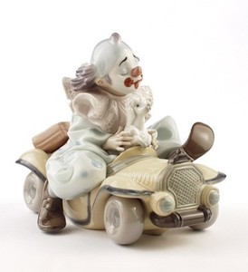 Lladro Trip to the Circus Privilege  8136 5 1/2