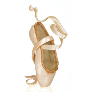 Just The Right Shoe En Pointe 70106