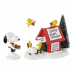 Department 56 Peanuts Snoopy's Game Night 4053054