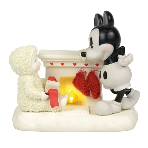 At the Mantel with Mickey 6000828