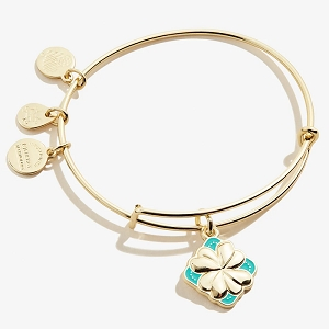 Four Leaf Clover Color Infusion Charm Bangle Shiny Gold