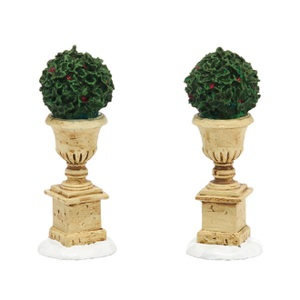 Tudor Gardens Holly Urn 4038850