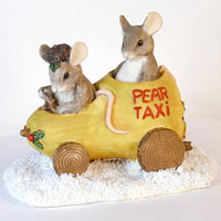 Charming Tails Christmas Pear Taxi 87565
