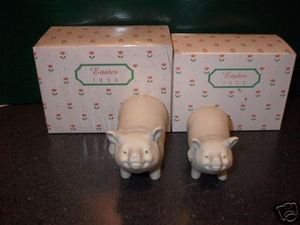 Department 56 Snowbunnies 1998 Annual Pig Large & Small