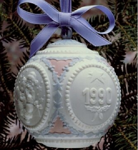 1990 Annual Christmas Ball Ornament 5730