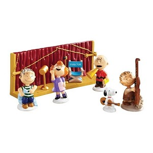 department 56 peanuts getting ready for christmas 4043273 - Department 56 Peanuts Christmas