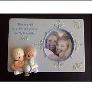 The World Is A Better Place With Friends Frame 824016